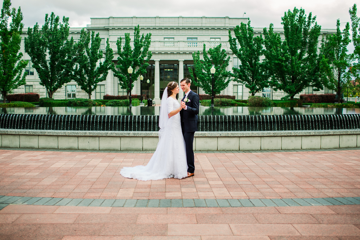 23-saltlakesity-wedding-pictures-2m6b7197