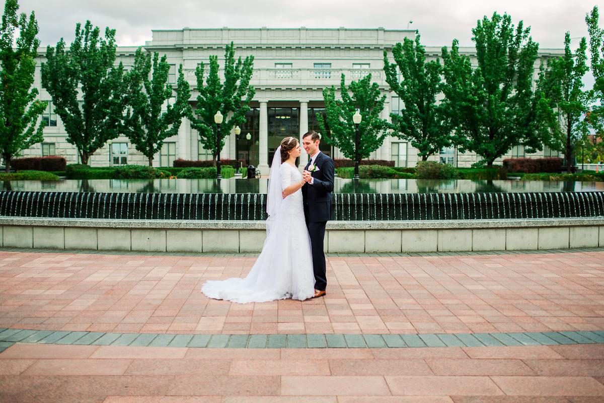 23-saltlakesity-wedding-pictures-2m6b7197